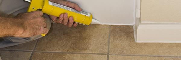 Badkamervloer betegelen – tegels plaatsen in uw badkamer