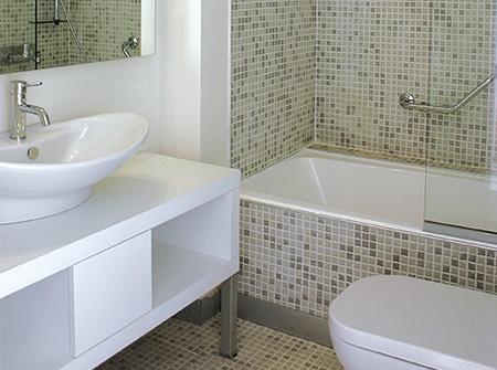 Ideeen Badkamer Renovatie : Kleine badkamer renovatie ideeën en ontwerpen